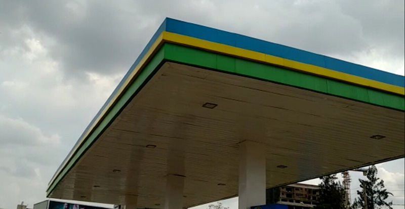 Gas station roof construction